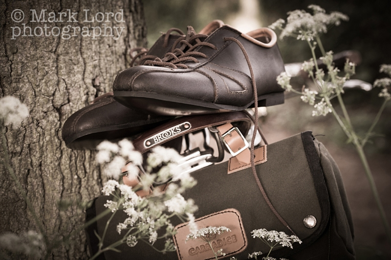Bicycle and Shoes-IMG_0431_010